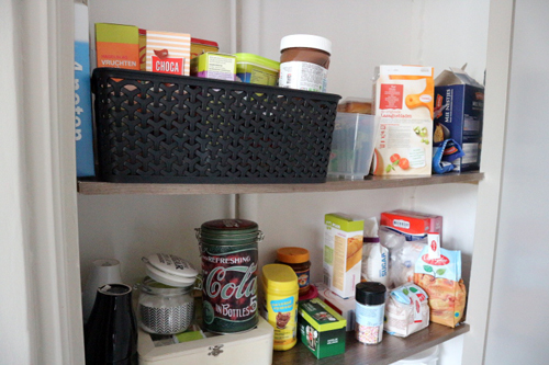 Red Kitchen- Een kijkje in de voorraadkast