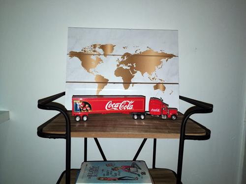 Een gouden wereldkaart op hout (+inspiratie!)