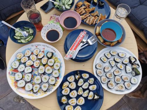 Ons avondeten #12 zelfgemaakte sushi en witlof met honing