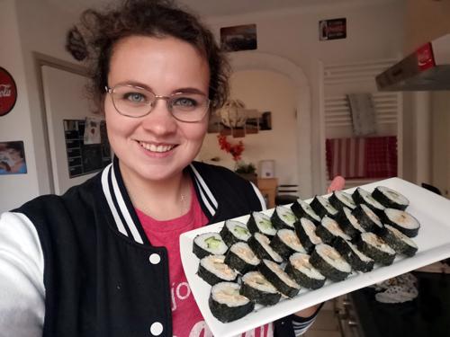 Bij Zus vlogt! Hoe maak ik sushi met de sushi bazooka?